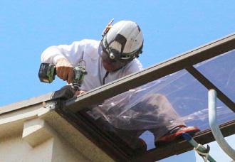 アクリル板の屋根補修