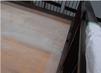 ポリエステル樹脂を浸透させ、形成された防水層