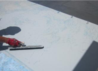 ウレタン防水の1層目の塗布