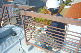 屋上の手すり塗装